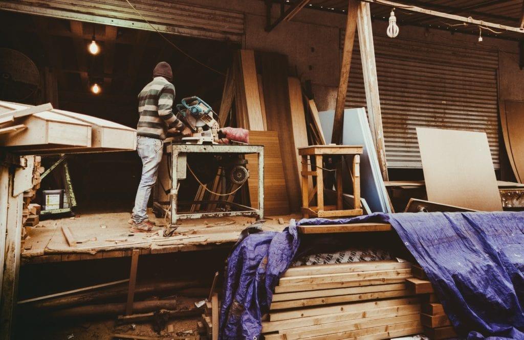 Produkcja drewna księżycowego