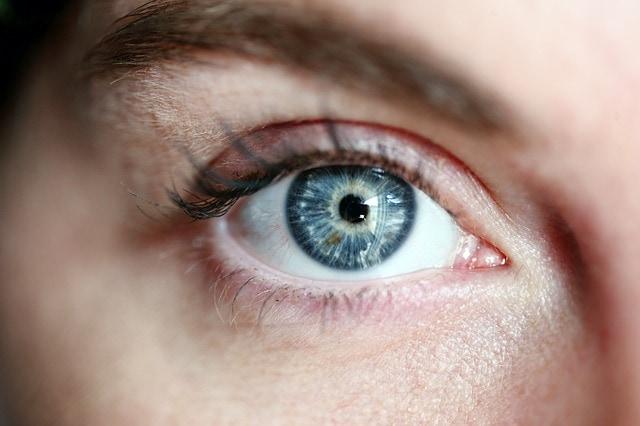 Niebieskie oczy znaczenie
