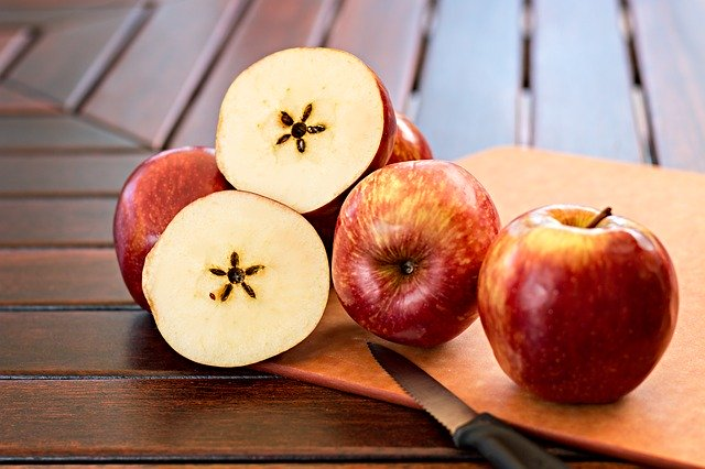 Pestki jabłek na raka